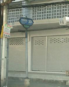ขายอาคาร พาณิชย์ ถนน พหลโยธิน30/1 3ชั้น14ตรว 4 นอน