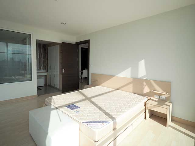 Rent Rhythm Ratchada 2 bedroom  73.79 sqm 19 fl