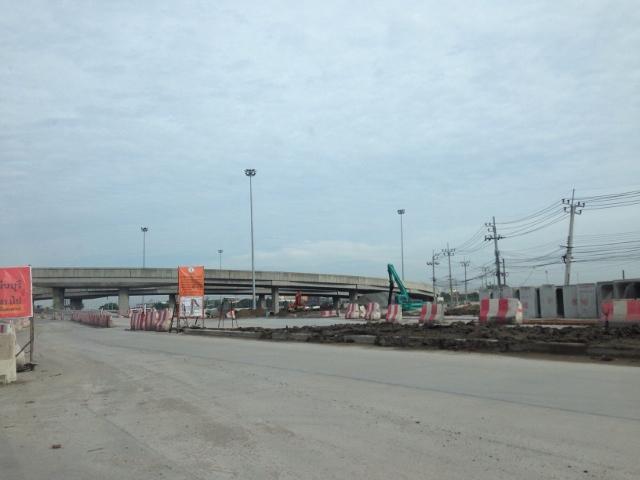 ภาพขายที่ดินย่านพระจอมเกล้าใกล้รถไฟฟ้าและมอเตอร์เวย์
