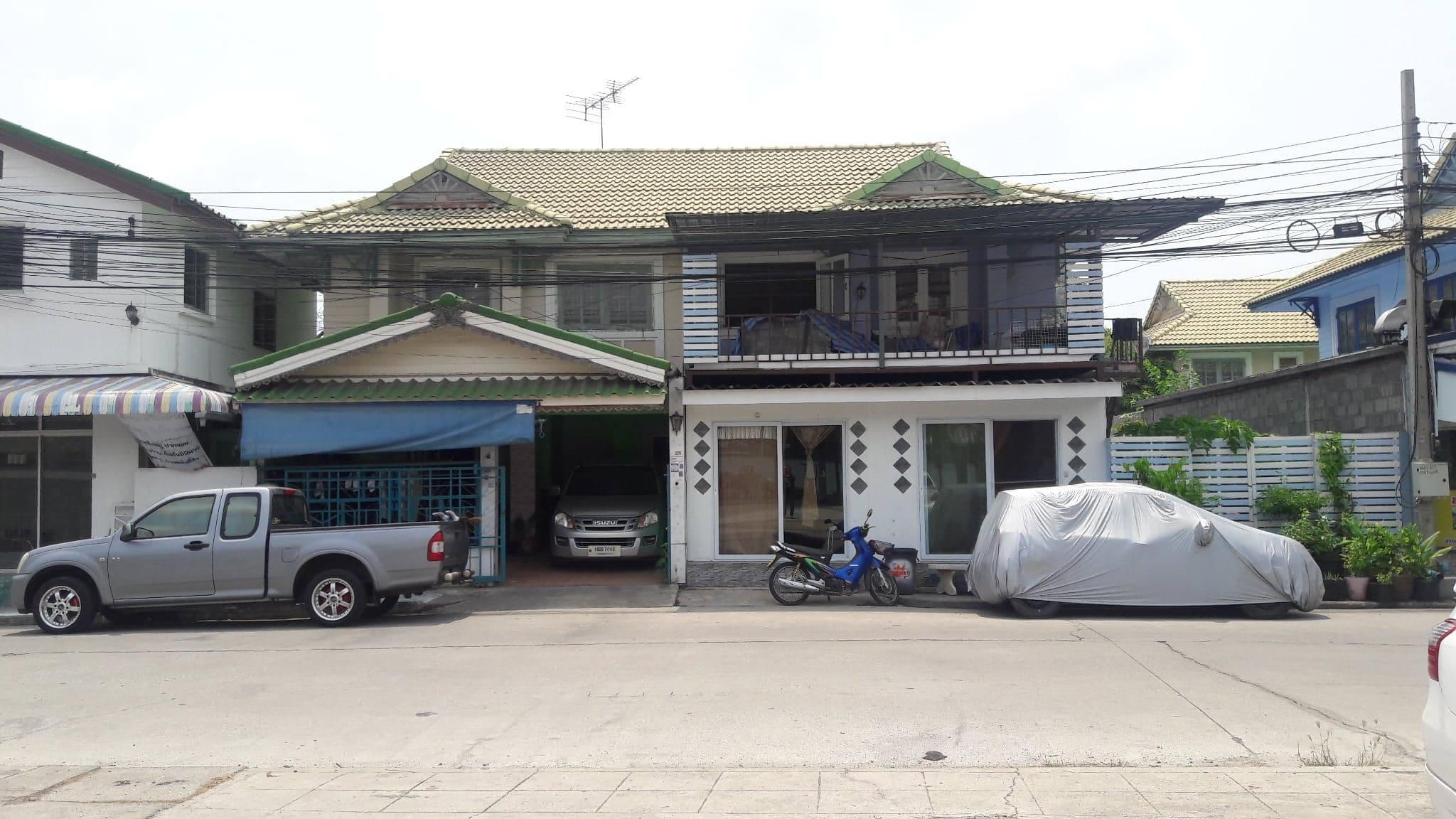 ภาพขายบ้านแฝด2ชั้นถนนบางพลี-ตำหรุ หมู่บ้านพฤกษา15