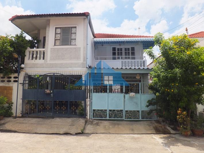 บ้านแฝด 2 ชั้น 25.5 ตรว.หมู่บ้านพระปิ่น 5 ซอยเอกชัย 109 สวย พร้อมอยู่ บ้านต้นโครงการ ทำเลดี ราคาต่อรองได้