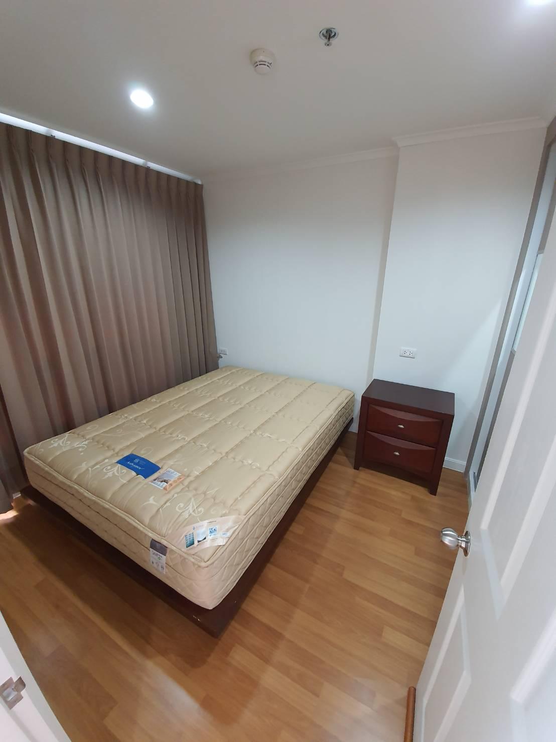ภาพคอนโดต้องการขาย ลุมพินี พาร์ค ริเวอร์ไซด์ พระราม 3    บางโพงพาง  ยานนาวา 1 ห้องนอน พร้อมอยู่ ราคาถูก