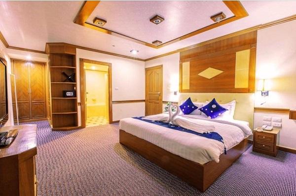 ให้เช่าโรงแรม 8 ชั้นย่านสุขุมวิท เอกมัย ขนาด 138 ห้อง  7,700 ตารางเมตร พร้อมใบอนุญาตถูกต้องดำเนินกิจการได้ทันที ขนาด 10 ชั้น  โรงแรมระดับ 4 ดาว สนใจเช่าระยะยาว คุยราคากันได้ ผู้เช่าสามารถเปลี่ยนการใช้งานจากโรงแรม
