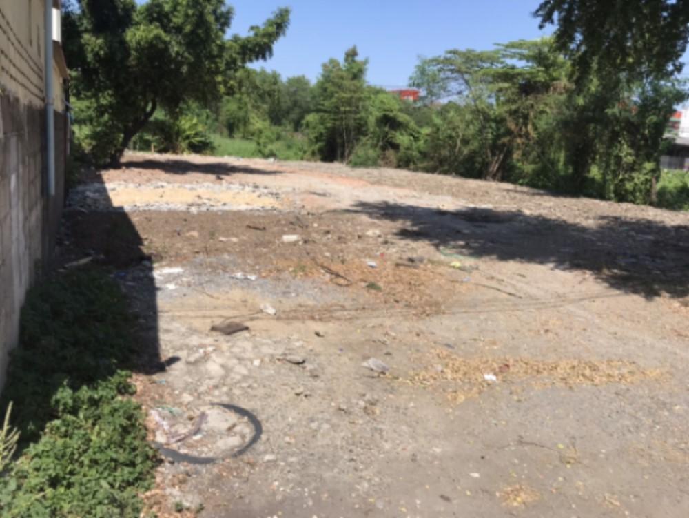 ที่ดินให้เช่า (ถมแล้ว) 180 ตร.วา ในหมู่บ้านธารากร ห่างจาก ถ.สุขาภิบาล 3 100 เมตร แยก 3 มีนบุรี ซ.รามคำแหง 170