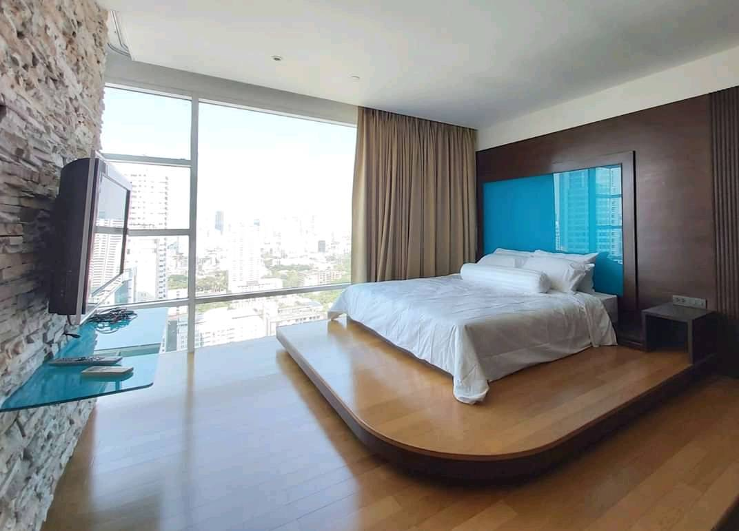 ภาพFullerton Sukhumvit - Beautifully Furnished 3 Bedrooms / Ready To Move In / Large Kitchen / Open Views