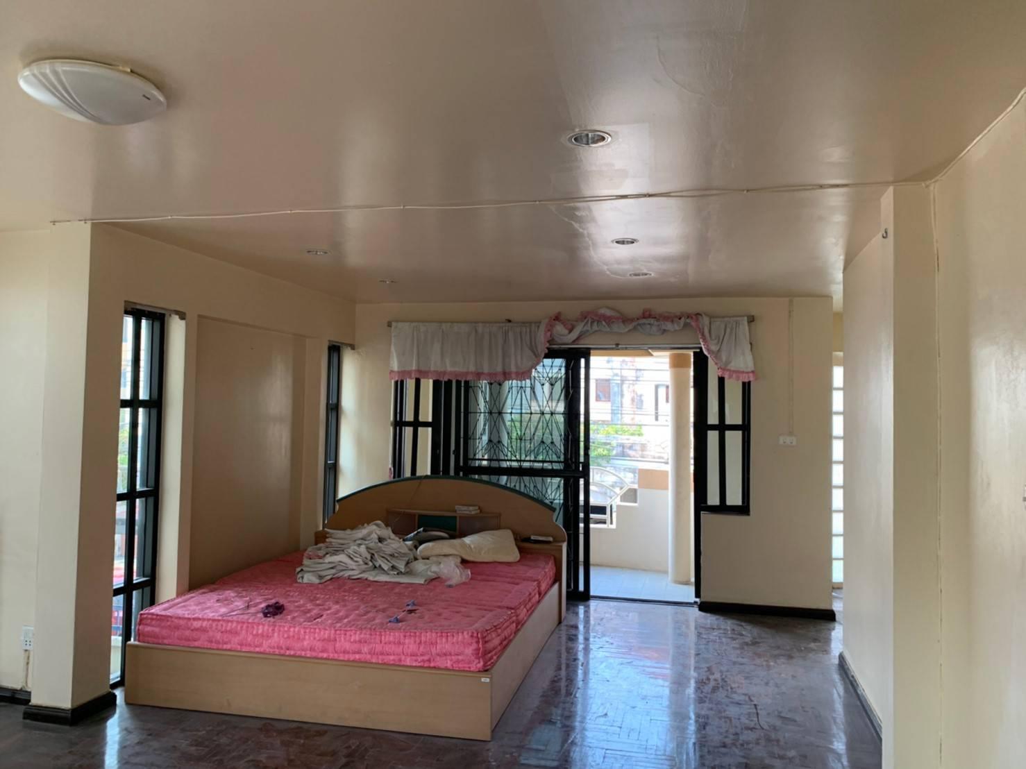 ทาวเฮ้าส์ โฮมอเวนิว อุดมสุข ซอยประวิทย์และเพื่อน16   ซอย อุดมสุข 51  บางจาก พระโขนง 3 ห้องนอน พร้อมอยู่ ราคาถูก