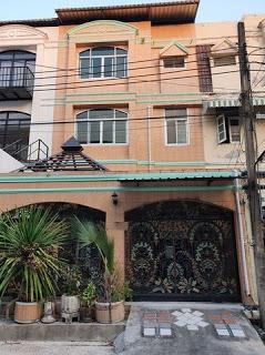 ภาพB131 ให้เช่าทาวน์โฮม 3ชั้น ถนนพระราม 9 ซอย11 บ้านสวยเหมาะสำหรับพักอาศัย หรือทำออฟฟิต เขตห้วยขวาง