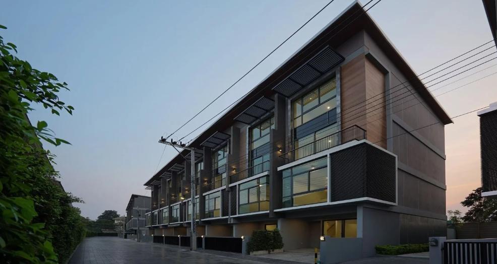 ให้เช่าทาวน์โฮมหรู 4 ชั้น โครงการลอฟท์ เลนด์ ลาซาล (สุขุมวิท105) บ้านใหม่ ไม่เคยเข้าอยุ่ ทำเลดีใกล้ ทางด่วน ห้างเมกะ