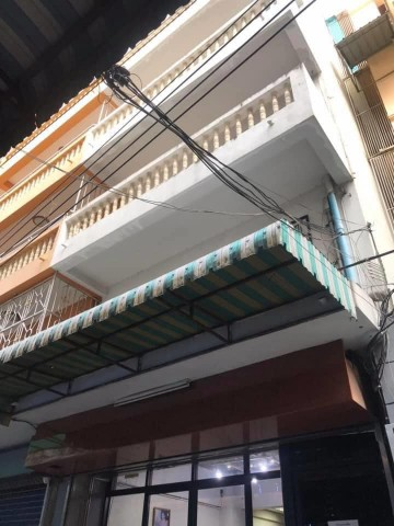 อาคารพาณิชย์เปล่า ให้เช่า 3 ชั้น  MRT สามยอด