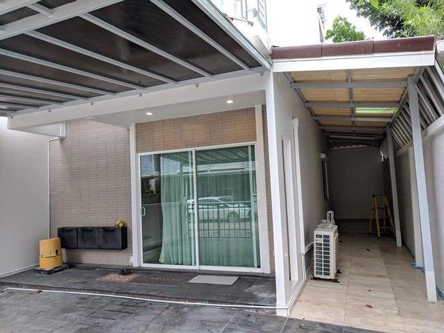 PN123 ให้เช่าทาวน์โฮม 3 ชั้น 3 นอน 3 นำ้ พื้นที่ใช้สอย 140 ตร.ม. เดอะ เมทโทร พระราม 9 The Metro Rama 9