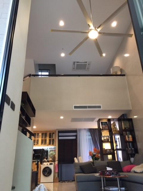 ทาวน์โฮม 3.5 ชั้น 233 ตรม. (หลังมุม มีสวน) ตกแต่งสวยให้เช่า 35,000 บาท/เดือน บ้านกลางเมืองวิภาวดี