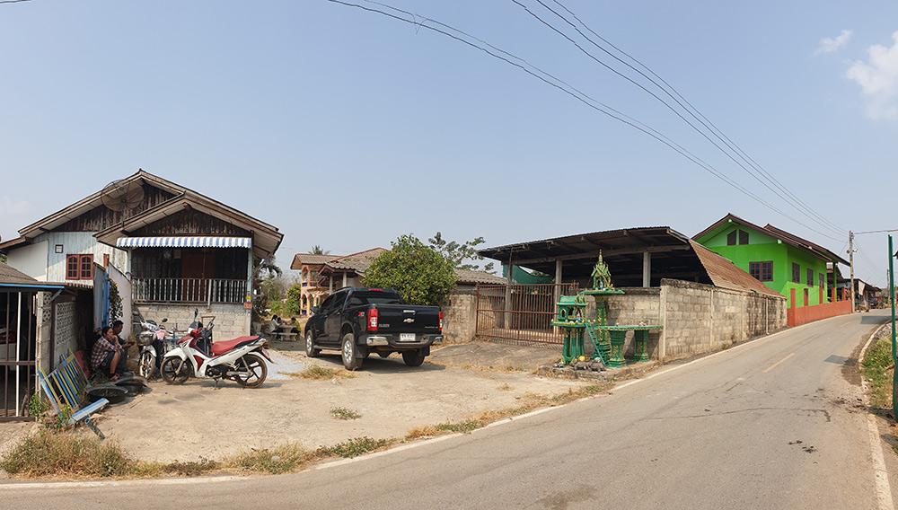 ขายบ้าน 3 หลัง เข้าซอยจากถนนมิตรภาพ 70 เมตร