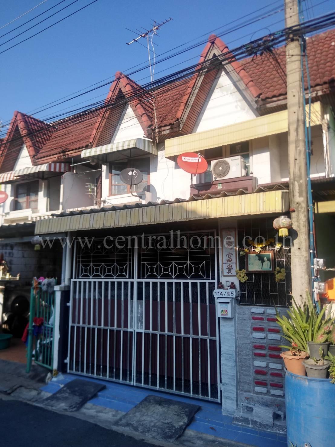 ทาวน์เฮ้าส์ 2 ชั้น หมู่บ้าน ชินวรรณ ปทุมธานี