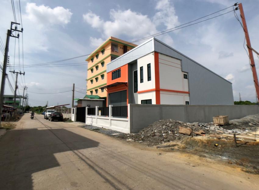 โรงงาน โกดังสินค้า และสำนักงาน 2 ชั้น ราคาถูก เนื้อที่ 118 ตารางวา ใกล้สนามบินสุวรรณภูมิ