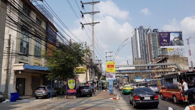 ภาพตึกแถว ติดถนนใหญ่ เทพารักษ์ ซ.4 ตึก4ชั้นครึ่ง หน้า