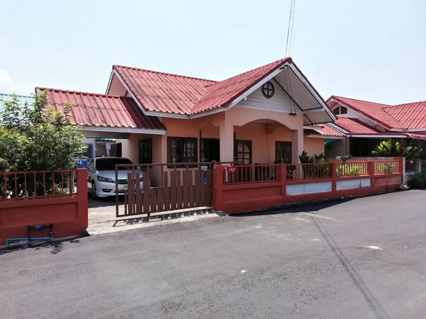 ภาพขายบ้าน หมู่บ้านเทพ ประทาน2 บ่อวิน ตกแต่งครบ ราคาไม่แพง เดินทางสะดวกสบาย โซนนิคมอมตะชิตี้