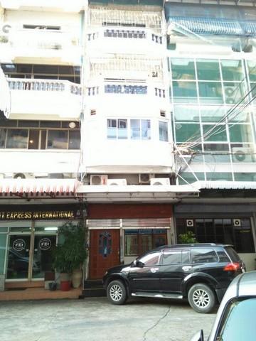 PDD02 ขายอาคารพาณิชย์ 6 ชั้น ซอยสุขุมวิท 16 ใกล้ BTSอโศก ใกล้ MRT สุขุมวิท เหมาะซื้อลงทุน มีผู้เช่าทำสปา เหลือสัญญาเช่า 2 ปี ราคา 90,000 บาท