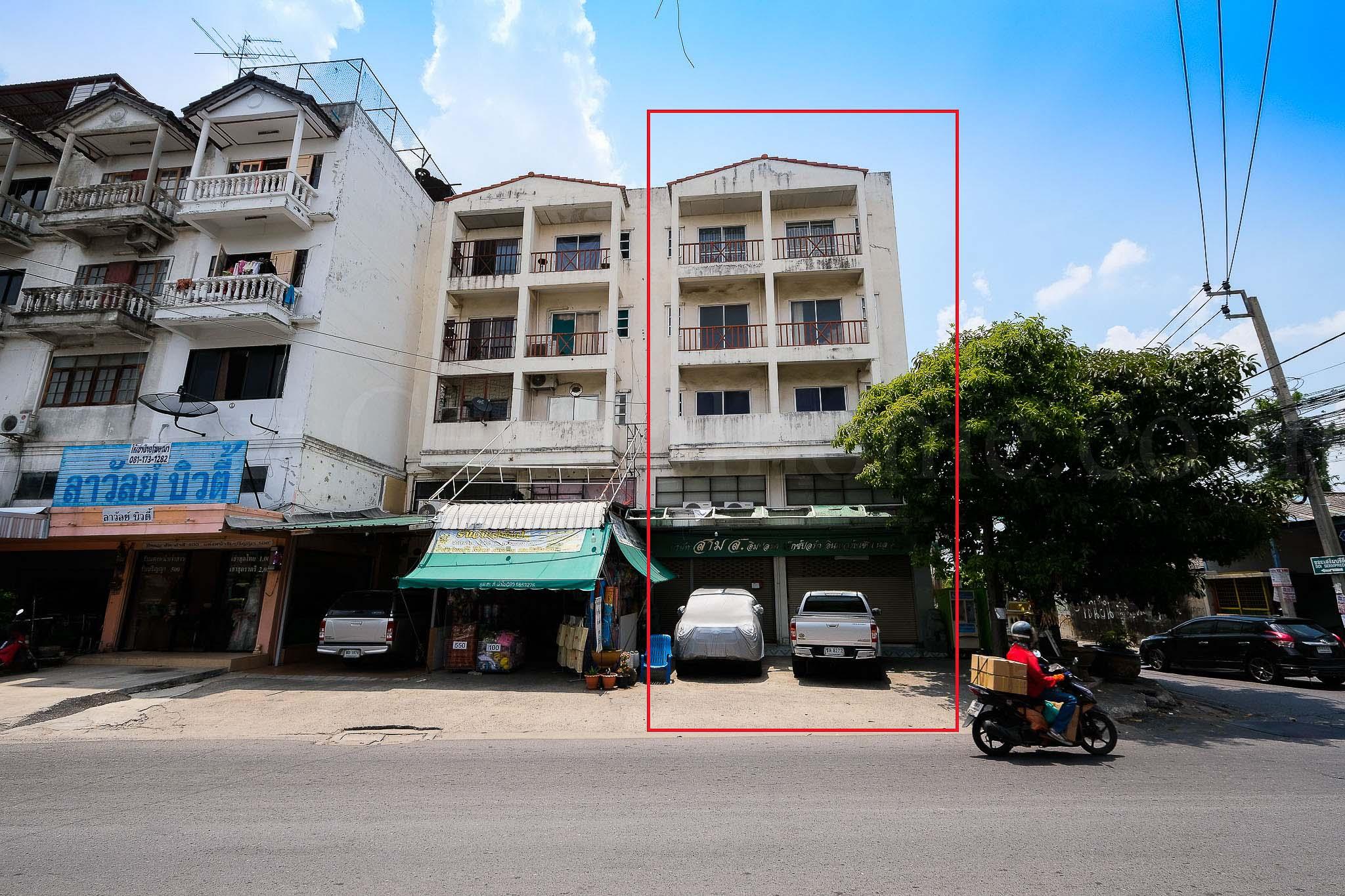 อาคารพาณิชย์ 5 ชั้น 2 คูหา ติดถนน ประชาอุทิศ ดอนเมือง หลังมุม