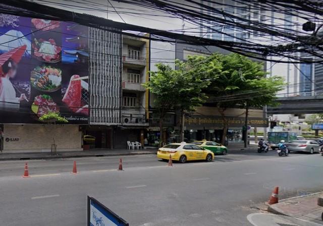 ให้เช่าอาคารพาณิชย์ 4.5 ชั้น ติดถนนสีลม ใกล้ BTS