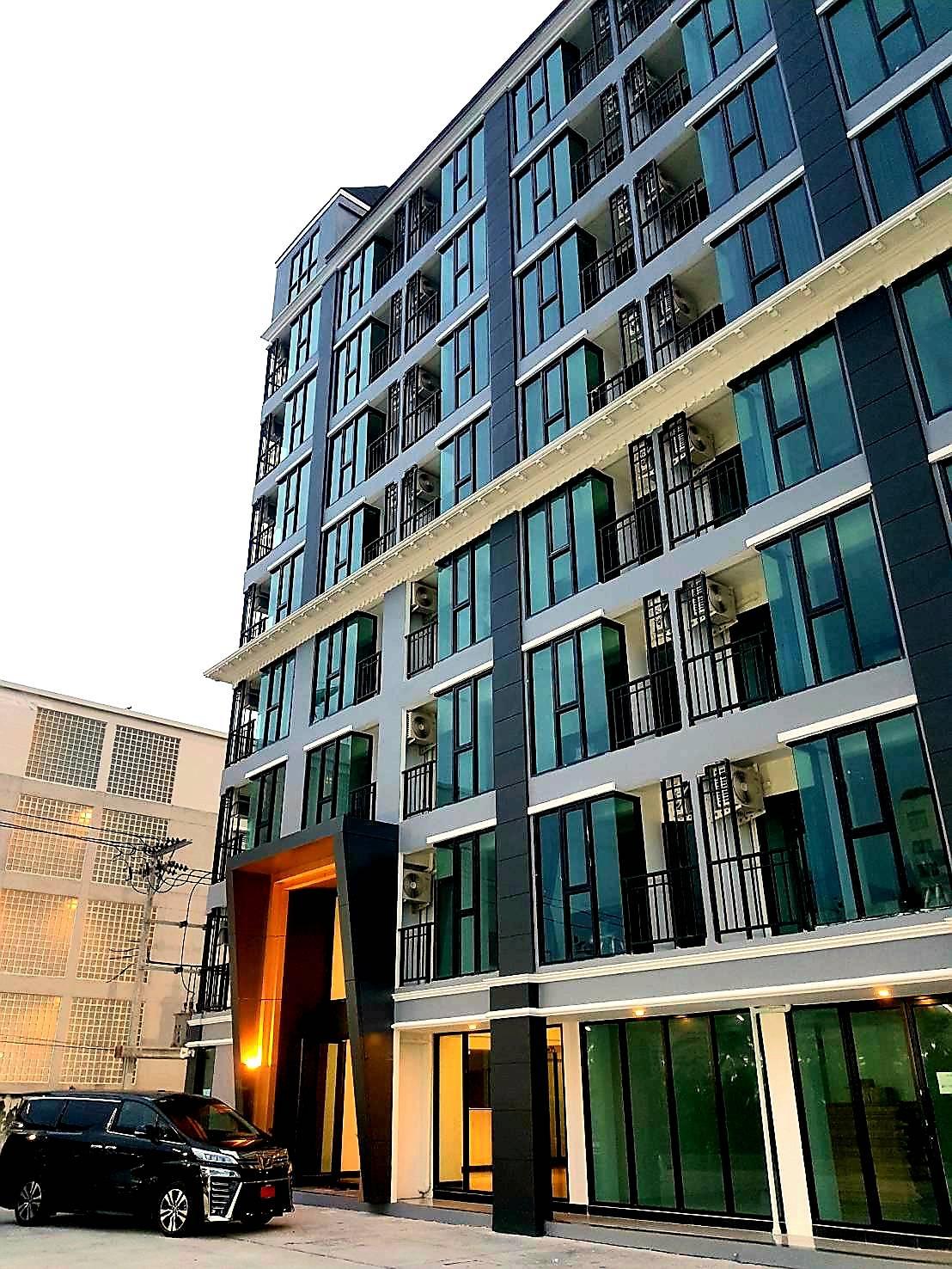 ภาพดิ โอนิกซ์ คอร์ท ( The Onix Court ) ห้องพัก เปิดใหม่ สวย ถูก รายเดือน รายวัน ใกล้ รถไฟฟ้า BTS อุดมสุข 300 ม. ( สุขุมวิท 66/1 ) มีรถส่งถึง BTS ฟรี ใกล้ ไบเทค บางนา ห้างฯ สนามบินสุวรรณภูมิ