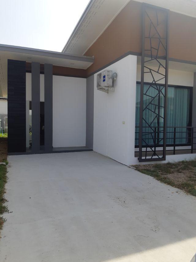 ภาพH 544 ให้เช่า บ้านเดี่ยวใหม่ ร็อคการ์เด้นท์ ลาดกระบัง-สุวรรณภูมิ เฟส3 บ้านใหม่สภาพดี มีเฟอร์ ราคา 15,000 บาท