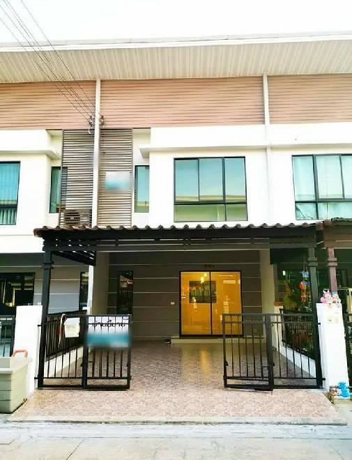 ภาพขาย 2.19 ล้าน ทาวน์โฮม 2 ชั้น หมู่บ้านโมดิวิลล่า บางบัวทอง 2 นาที ถึงสถานีรถไฟฟ้า MRT คลองบางใผ่