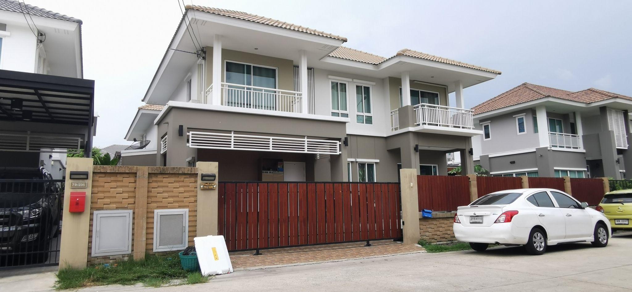 ขายด่วน บ้านเดี่ยว 2 ชั้น หมู่บ้าน ดีไลท์ แอทซีน วัชรพล-จตุโชติ เนื้อที่ 59.4 ตร.วา 3 ห้องนอน 4 ห้องน้ำ เดินทางสะดวก ใกล้ บิ๊กซี สุขาภิบาล 5 ติดต่อ สุเมธ 061-949-8888