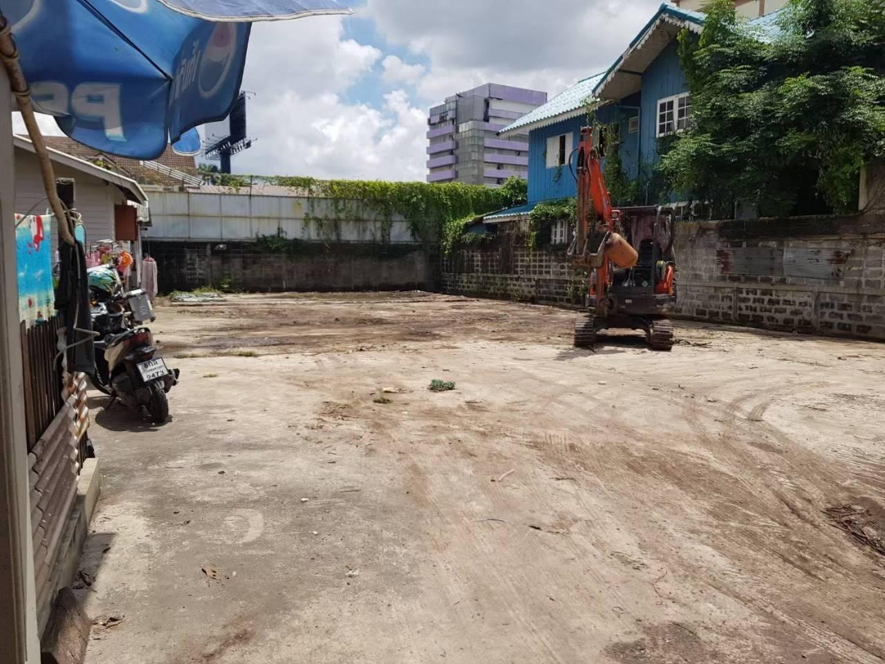 ภาพขายที่ดิน 114 ตารางวา ซอยอินทมาระ 29 แยก 1 ถนนสุทธิสารวินิจฉัย ตารางวาละ 85,000 บาท