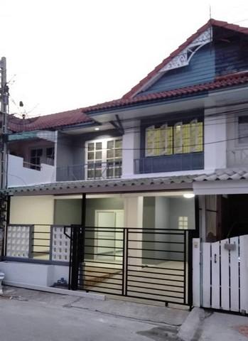 ภาพขายบ้านทาวน์เฮ้าส์ 2 ชั้นแถวนนทบุรี หมู่บ้านพฤกษา3