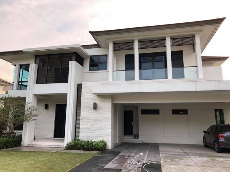 ภาพCode5693 Luxury House for SALE Ladawan ขายบ้านโครงการหรู แบบ exclusive ลดาวัลย์รัตนาธิเบศร์ ติดสถานีรถไฟฟ้าสายสีม่วง 4 ห้องนอน 208 ตารางวา พื้นที่ใช้สอย 398 ตารางเมตร จอดรถได้ 9 คัน