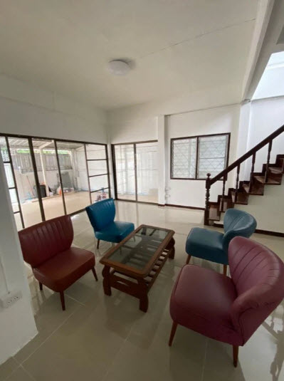 ภาพให้เช่าบ้านเดี่ยว 2 ชั้น 2 ห้องนอน ลาดพร้าว 69 ใกล้เลียบด่วน  ใกล้บิ๊กซีลาดพร้าว   เพิ่ง renovated