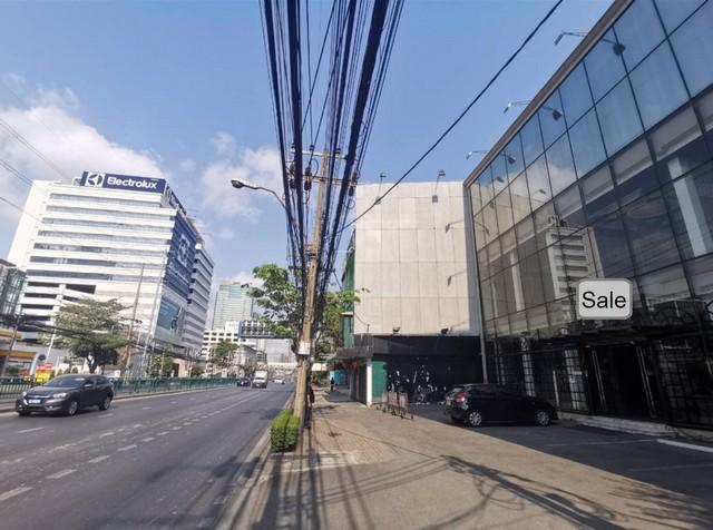 ขายอาคารพาณิชย์ 3 ชั้นครึ่ง เนื้อที่ 194 ตร.ว.ติดถนนเพชรบุรีตัดใหม่