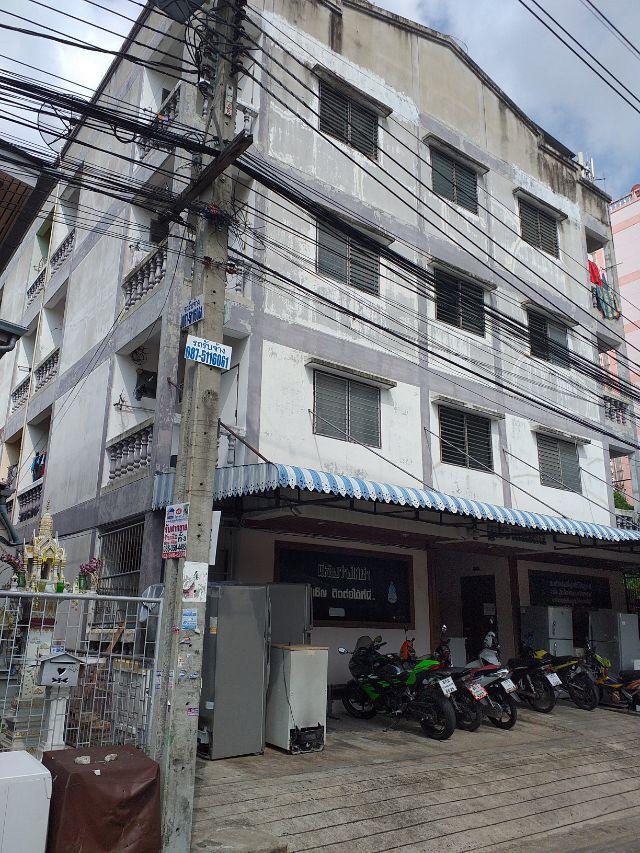 ขายอพาร์ทเม้นท์ 4ชั้น  44 ห้อง ถนนเสรีไทย 15