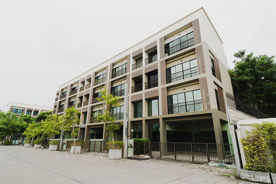 ให้เช่าโฮมออฟฟิศ 4 ชั้น เนื้อที่ 30 ตารางวา 3 ห้องนอน 4 ห้องน้ำ โครงการลุมพินี ทาวน์เรสซิเดนซ์ บางนา ศรีนครินทร์ ทำเลดีติดถนนบางนาตราด