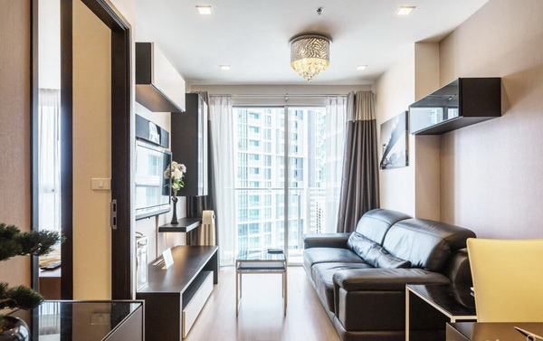 ภาพ(เช่า) FOR RENT SKYWALK CONDOMINIUM / 2 beds 1 bath / 60 Sqm.**37,000** Fully Furnished. Modern Decorated. CLOSE BTS PHRAKANONG