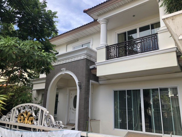 ภาพรหัสทรัพย์  8173 บ้าน The Grand Rama 2 เฟอร์นิเจอร