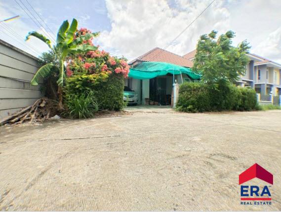 ขายบ้าน หมู่บ้านกษิรา โซนบ้านบึง บ้านสวย หลังใหญ่ เดินทางสะดวกใกล้ถนนมอเตอร์เวย์ และใกล้เครือสหพัฒน์