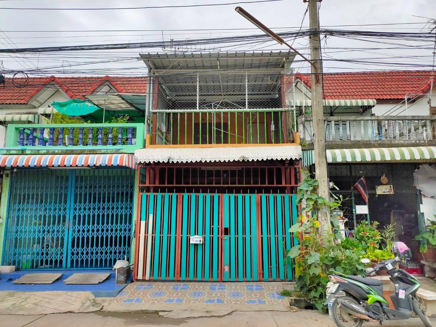 ขายด่วนๆ ขายขาดทุน ทาวน์เฮาส์ 2ชั้น หมู่บ้านวงศกร5