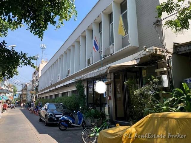 ภาพให้เช่าตึกแถว3คูหา ชั้น 1 ใต้โรงแรม ใกล้ ถ.ข้าวสาร