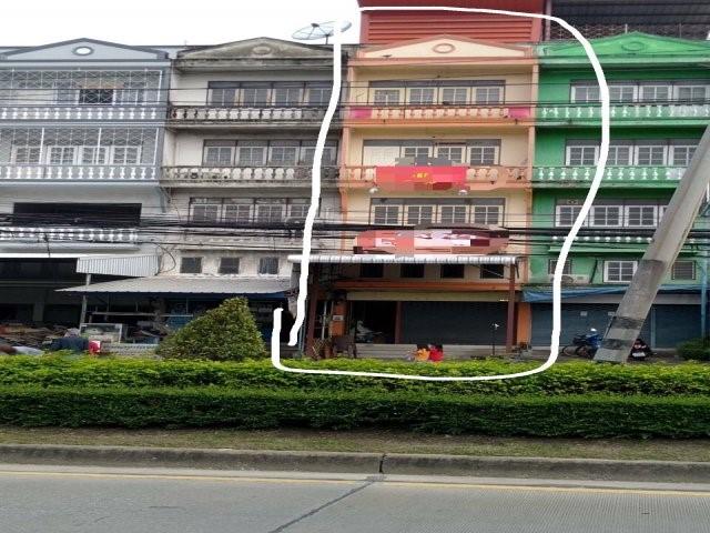 ภาพให้เช่าอาคารพาณิชย์ 4.5 ชั้น 1คูหาติดถนนเสรีไทย33