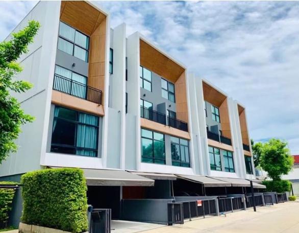 ขายทาวน์โฮม 3.5 ชั้นโครงการ อาร์เด้น Arden by อนันดา พัฒนาการ 20  บ้านใหม่ตกแต่งพร้อมเข้าอยู่ได้ทันที 20 ตรว มี 3นอน4 น้ำ ใกล้ทองหล่อ เอกมัย พระรามเก้า ขาย 7.9ล้านบาท