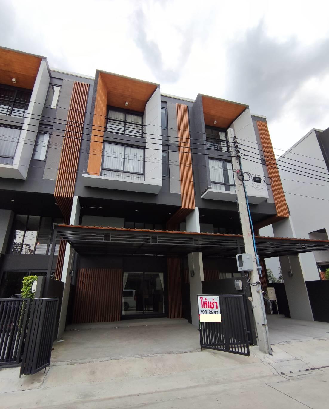 T 820 ให้เช่า ทาวน์โฮม 3 ชั้น ม.Shizen ซ.พัฒนาการ32 บ้านสวยสภาพดี พร้อมเฟอร์ ราคา 49,000 บาท