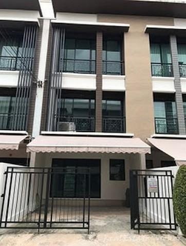 ภาพYO054 ให้เช่าทาวน์เฮ้าส์ 3 ชั้น 3 ห้องนอน  บ้านกลางเมือง นวมินทร์ 42 เหมาะอยู่อาศัยหรือทำออฟฟิต
