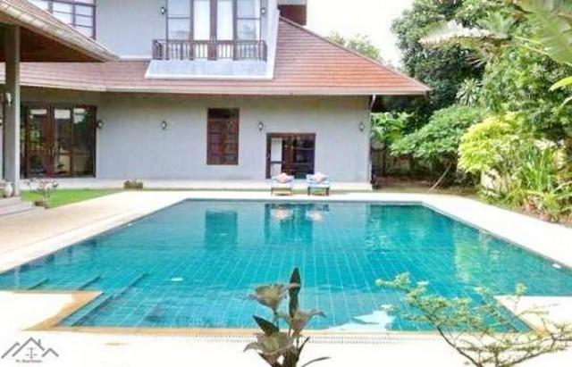 ภาพให้เช่าบ้านเดี่ยวสระว่ายน้ำส่วนตัว ถนนศรีนครินทร์