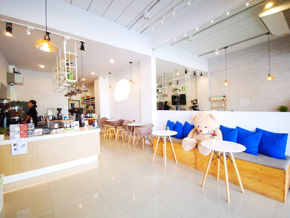 เซ้ง‼️ ร้านกาแฟ เส้นอ่างศิลา มีที่จอดรถ @ชลบุรี ตำบลเสม็ด