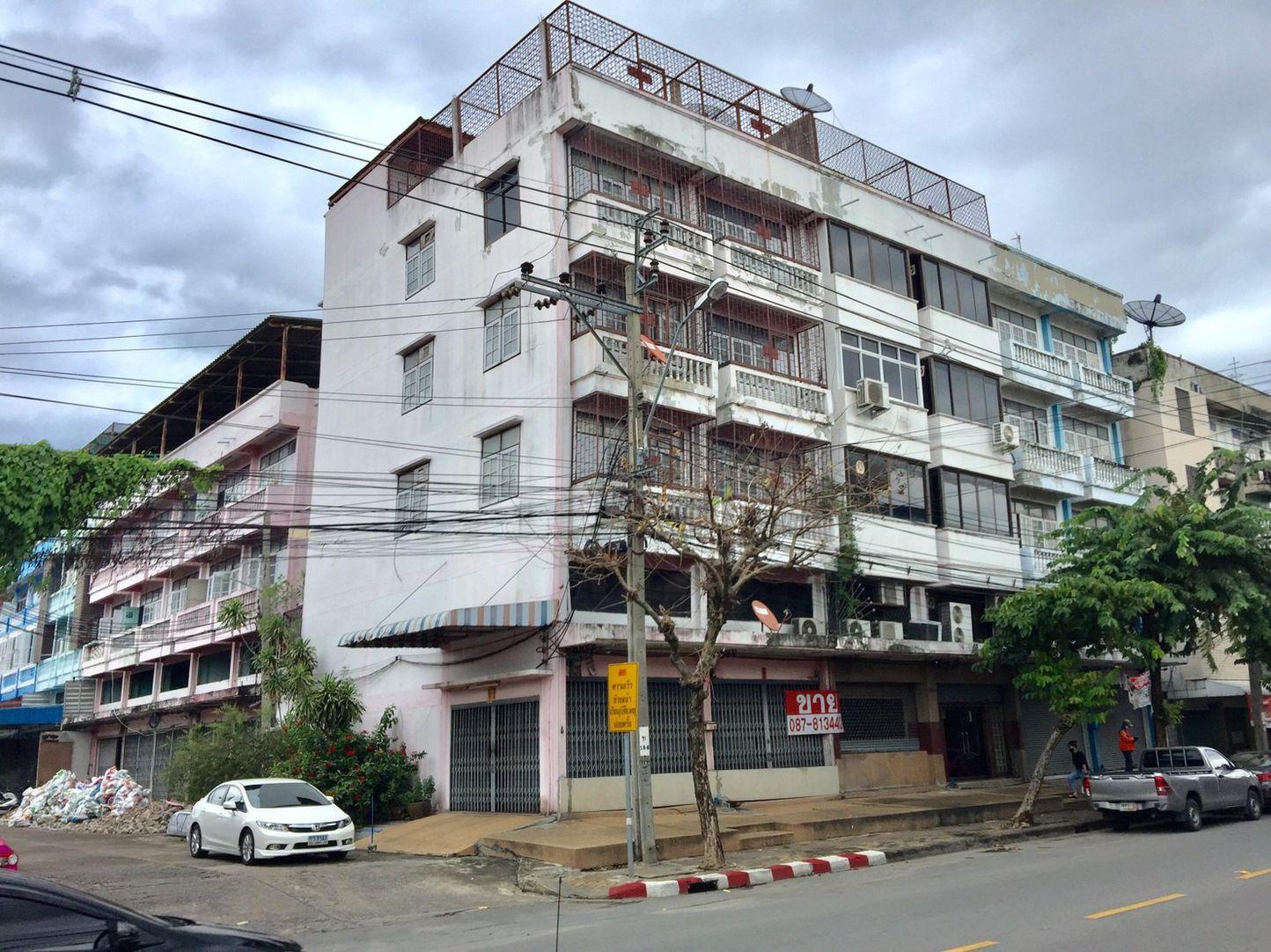 ขายตึกแถวมือสอง ติดถนน มีที่จอดรถ ทำเลธนบุรี-พระราม2