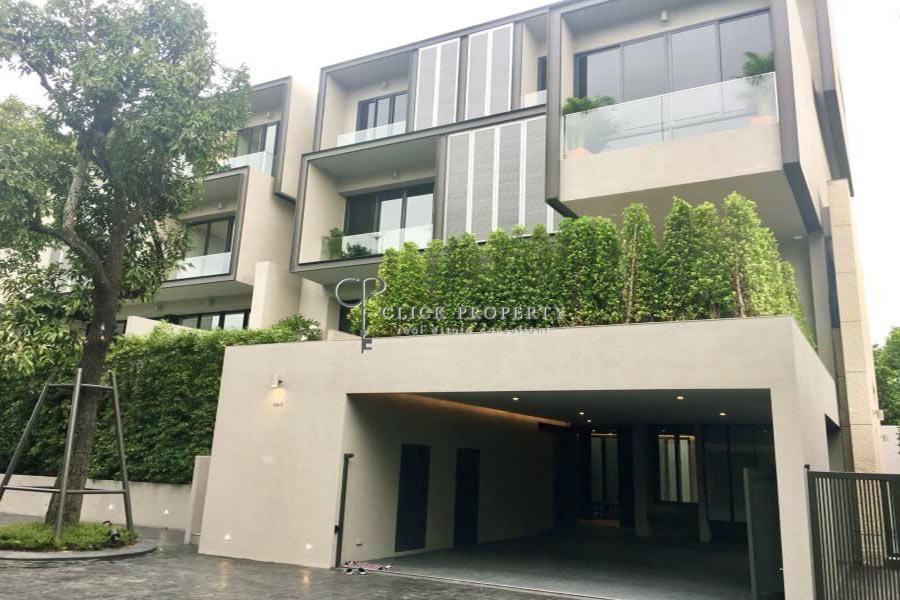 ✦ 4beds - 4baths ✦ for RENT Sukhumvit house with private pool BTS Ekkamai | Modern Super Luxury