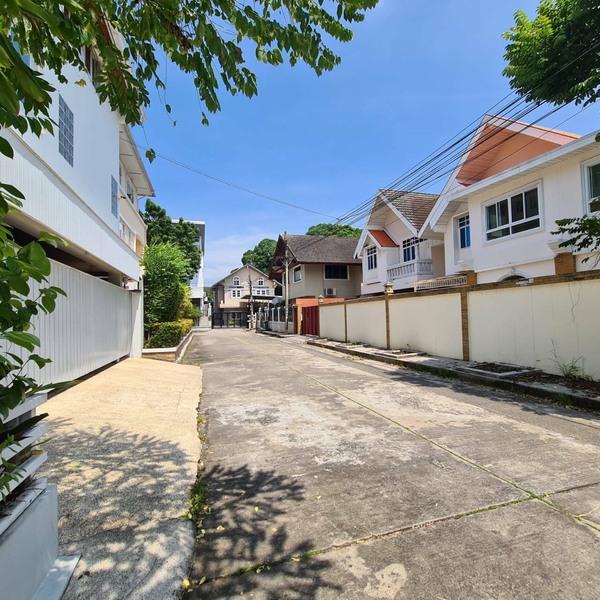 ขายด่วน บ้านเดี่ยว 2 ชั้น หมู่บ้านบางนาวิลล่า Bangna Villa ถ.บางนา-ตราด 39 ทำเลดีมาก ที่ดินขนาด 186