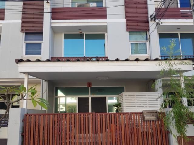 For Rent ให้เช่าทาวน์โฮม 3 ชั้น หมู่บ้านธนาพัฒน์ สาทร นราธิวาส ซอยนนทรี 20