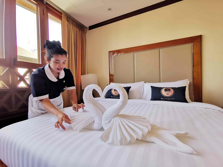 โรงแรมรูมเควสต์ทองหล่อ